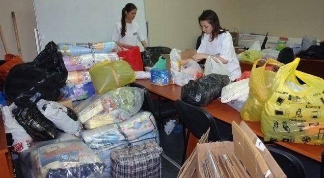 Пункт приема одежды для нуждающихся семей