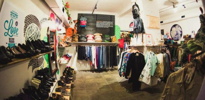 Благотворительный фонд принимает одежду