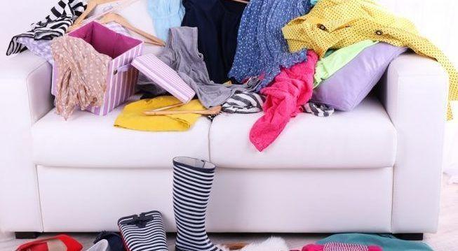 Скопление старой одежды