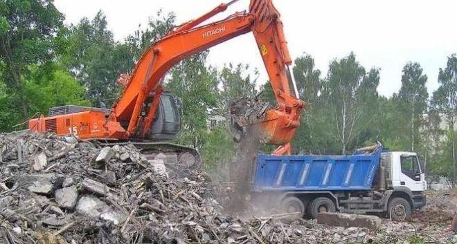 Необходимость вывоза бытовых и промышленных отходов