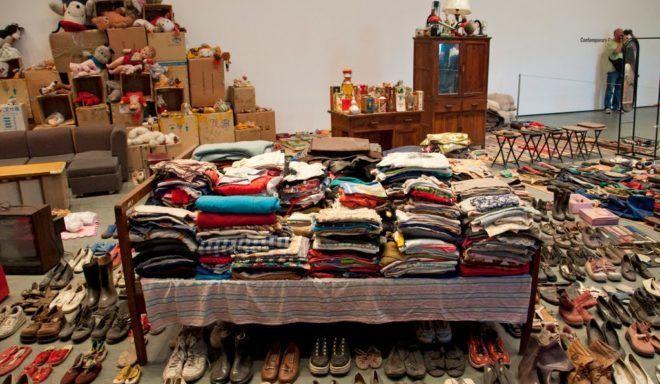 Если вы хотите заработать денег на старой одежде, то лучше их сдавать в комиссионные магазины