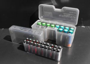 Специальные емкости для хранения батареек