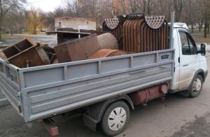 Во многих компаниях имеется служба вывоза металлолома